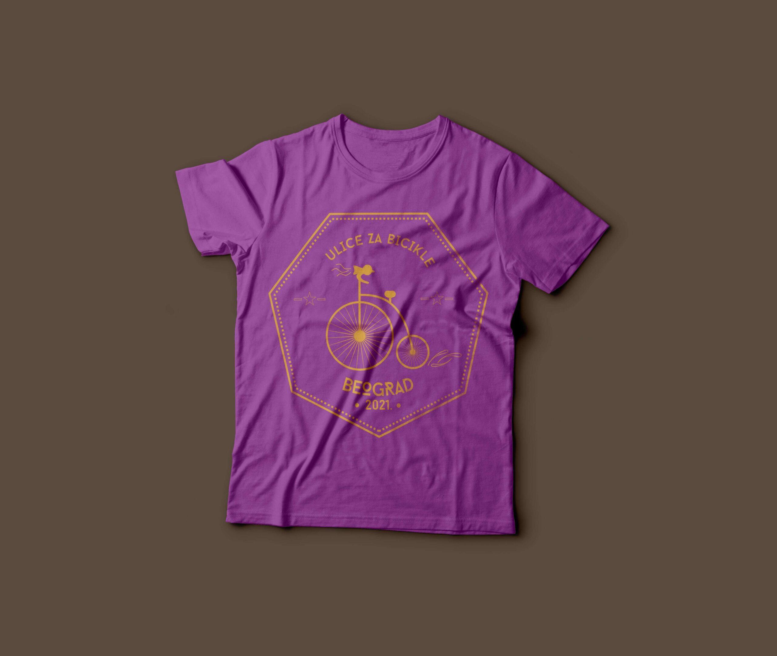ljubicasta majica